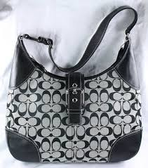 Style  12640. Description  Coach Hampton Large Signature Hobo Color  Black  Size  14