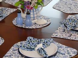 wedge placemats for round table