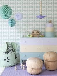 Kinderkamer Pastel Met Ferm Living Behang Harlequin Favourite