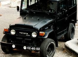 File:Black Toyota Land Cruiser (40 series).jpg - Wikimedia Commons