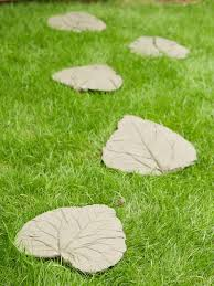 Diy Stepping Stones How To Make A Decorative Garden Path Hgtv
