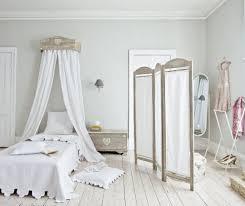 Shabby Chic Headboard Shabby Chic Bedroom Design With Headboard Curtain Ideas Also Room