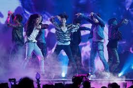 Billboard Pop Album Chart Bts Becomes The First K Pop Act To Top Billboard Album Chart