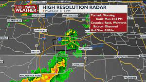 Tornado warning issued for Walworth county