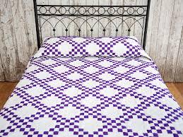 Classic Irish Chain Quilt -- exquisite adeptly made Amish Quilts ... & Classic Purple and White Irish Chain Photo 1 ... Adamdwight.com