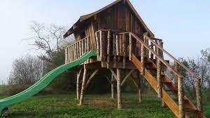 tuto pour la fabrication d une cabane en bois sur pilotis pour enfant