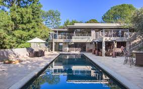 Jane Fonda Just Dropped the Sale Price of Her Beverly Hills ...