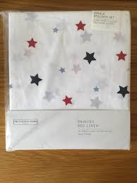 the little white company star all over print single bed linen set