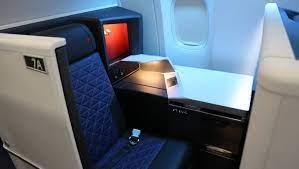 delta shows off first boeing 777