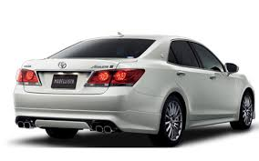 Rear-Drive Toyota Crown Launched in Japan with Hybrid, V-6 Engine ...