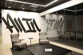 Office offbeat interior design Desk Designs 1242 Pm 15 Apr 2017 Elle Decor Chicago Tribune On Twitter