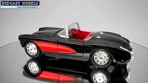 Chevrolet Corvette 1957 - Burago - 1:24 - YouTube