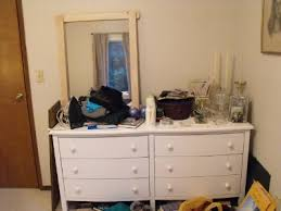 Declutter Your Bedroom Amazing How To Declutter A Bedroom