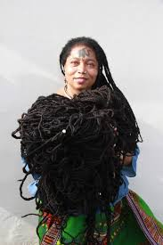 asha mandela with her hair which meres 98 feet