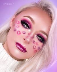 while she does use photo to edit her looks she s totally open about it she even offers tutorials specifically on that and you can see from her live