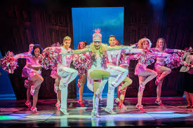 legally blonde the musical fashionmommy s blog lucie jones is fabulous she is elle woods and her excellent soaring vocals help her to steal every scene she plays elle as idealistic and frankly