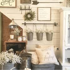 23 farmhouse shelving and wall decor