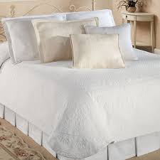Bedroom: Make Your Bedroom More Lovely With Matelasse Bedspreads ... & Cotton Quilts And Coverlets | Matelasse Bedspreads | Luxury Quilts Adamdwight.com
