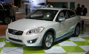 Volvo C30 Reviews - Volvo C30 Price, Photos, and Specs - Car and ...
