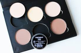 anastasia beverly hills contour kit in light candramyee