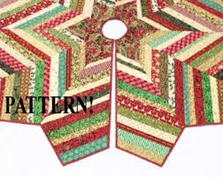 Quilted Christmas Tree Skirt Pattern & Quilted Christmas Tree Skirt PATTERN - Country Strings Tree Skirt,  Foundation Pieced Quilt Pattern, Adamdwight.com