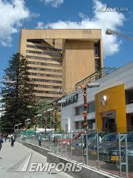Aquí usted puede buscar la dirección de la oficina central del banco banco de bogota en bogota, y sus códigos swift, iel y bin. Banco De Bogota Bogota 279733 Emporis