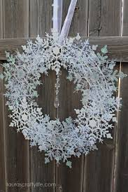 front view of snowflake wreath