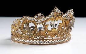 تيجان ملكية  امبراطورية فاخرة Images?q=tbn:ANd9GcT-QiZB4k8ugkrWKi9jINIXtwaLveyoWIpmRe0muLfdAUYbnIlq