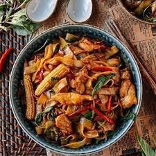 drunken noodles pad kee mao the