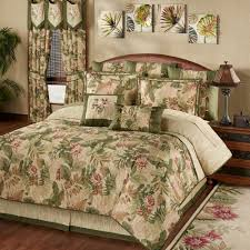 Luxurious Romantic Bedroom with Touch of Class Comforters: Touch Of Class  Comforters | Luxury Bedspreads