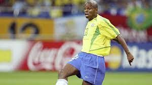 لاعب برازيلي يزعم أنه أفضل من ميسي ورونالدو   برازيل