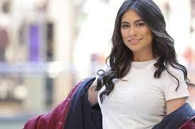 بالصور .. هاجر احمد تستعرض أناقتها بفستان مشجر
