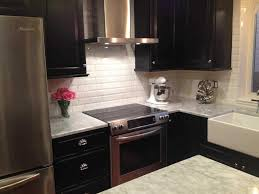 Kitchen Backsplash With Maple Cabinets