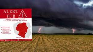 Na niektórych mapach burze na żywo zaznaczane są kolorem czerwonym, a im kolor jaśniejszy tym większe opóźnienie. Zq7fdmwzdu5yfm