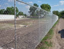 Low Carbon Iron Wire Metal Chain Link Fence Baseball Field Fence