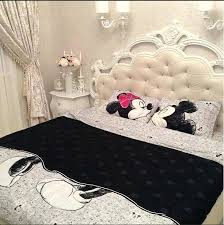 casual mickey mouse and minnie mouse kissing bed set z1074233