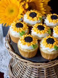 Ericas Sweet Tooth Lemon Sunflower Cupcakes
