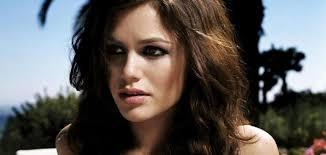 تسريحات شعر المرأة التي يفضلها الرجال موسوعة وزي وزي