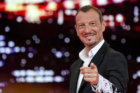 Sanremo 2020, ufficiale: Amadeus sarà conduttore e direttore ...