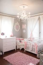 Schönes Babyzimmer Grau Rosa Shabby Chic Stil Kronleuchter