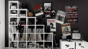 Decorating Room With Posters Ideas For Teen Room