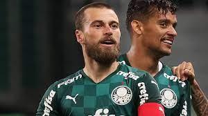 Lucas Lima, do Palmeiras, faz harmonização facial e surge irreconhecível -  ISTOÉ Independente