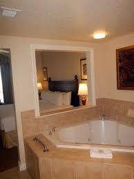 Wyndham Grand Desert: Master Bath Jetted Tub   3 Bedroom Deluxe