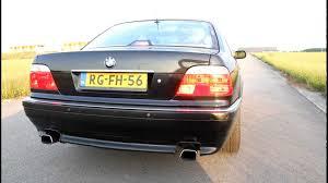 BMW E38 735i V8 Custom Exhaust Sound! pull up - YouTube