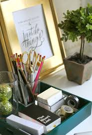 decorating your office desk. easy ways to decorate your office space decorating desk 0