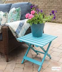 give wooden outdoor patio furniture a makeover with paint i love how the turquoise paint