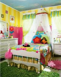 Kids Bedroom Decoration Colorful Kids Bedroom Decoration Have Colorful Bed Cover And