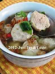 Fimela.com, jakarta untuk menikmati bakso yang kenyal, kita bisa membuatnya sendiri di rumah. Membuat Bakso Daging Ayam Yang Kenyal Sungguh Just Try Taste
