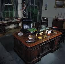 desk in oval office. Oval Office Desk In F