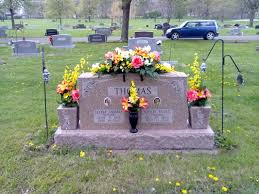 Grave Decoration Grave Decoration Turner Flowers Country Store Ottawa Kansas